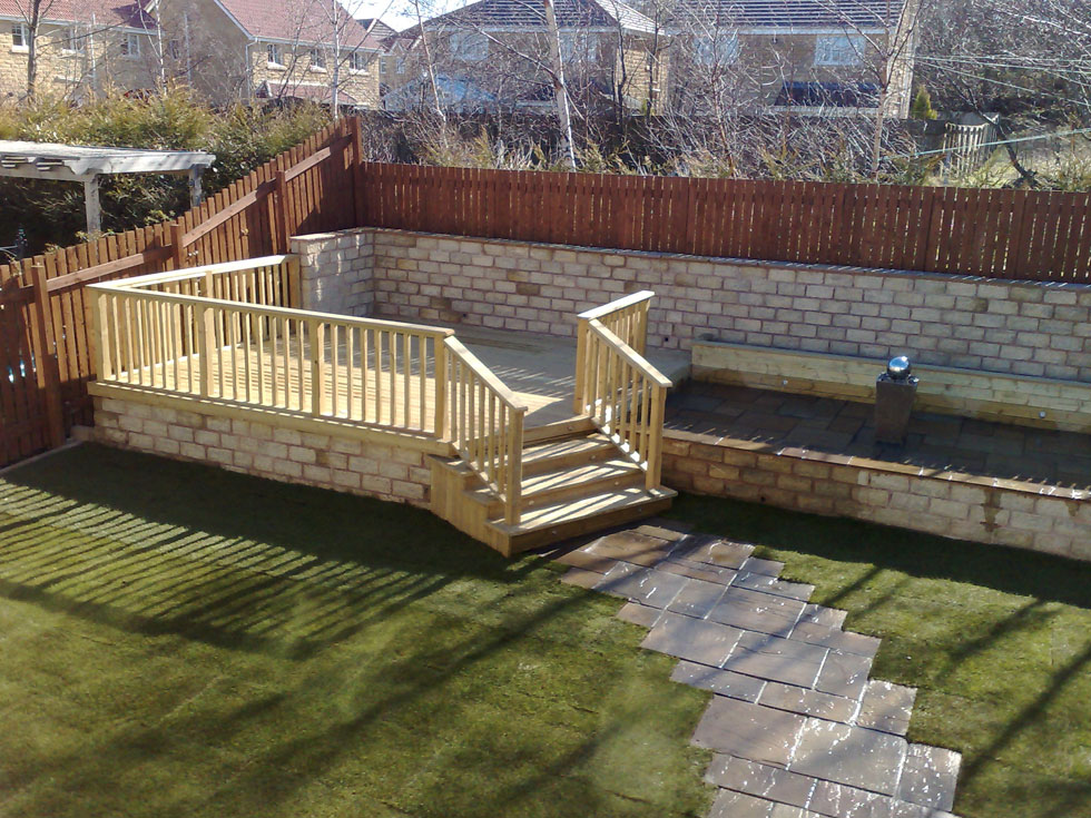Garden decking barnsley from park paving construction for Images of garden decking