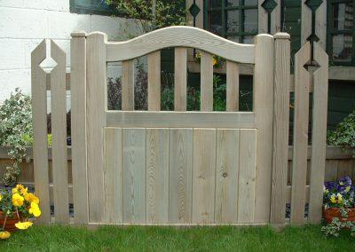 Metro wooden garden gates