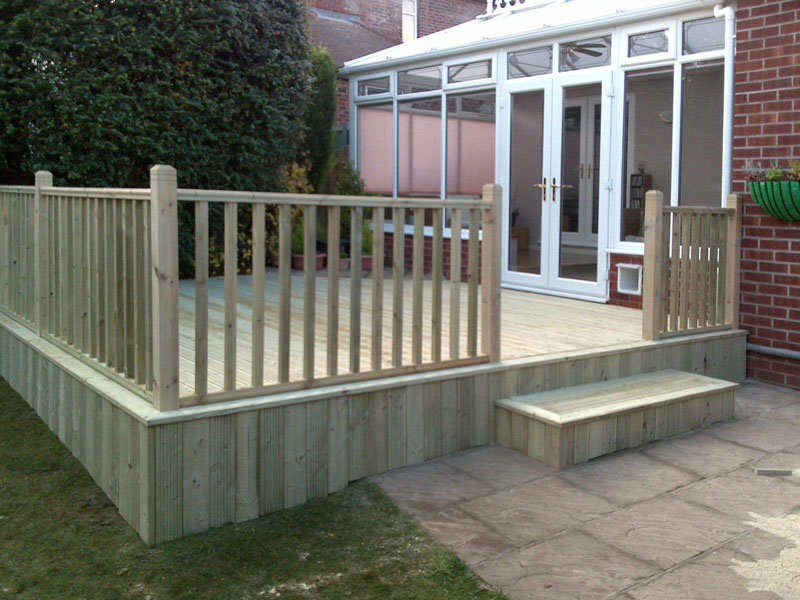Garden decking gallery block paving patios from park for Garden decking projects