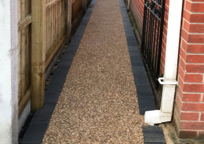 Resin paths installed in Barnsley, South Yorkshire